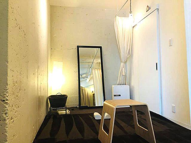 完全個室のシンメトリー整体スペース
